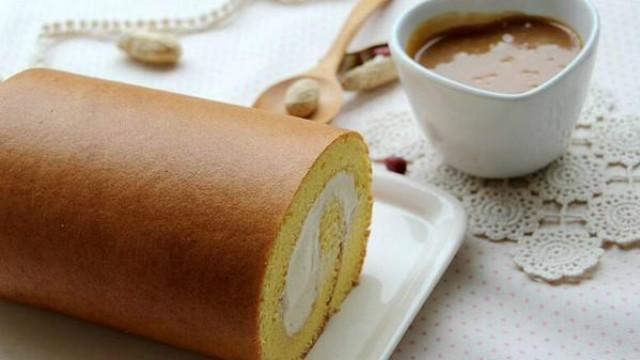 蛋糕卷的做法原来如?#24605;?#21333;,从妈妈那学来的,看着就想吃