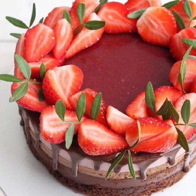 9款草莓水果蛋糕,最想吃图几?