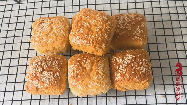 經典過時蜂蜜脆皮蛋糕的做法,外面皮酥松脆,堅硬固香甜蜜,吃了還想吃