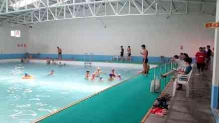 杭州度假村露天游泳