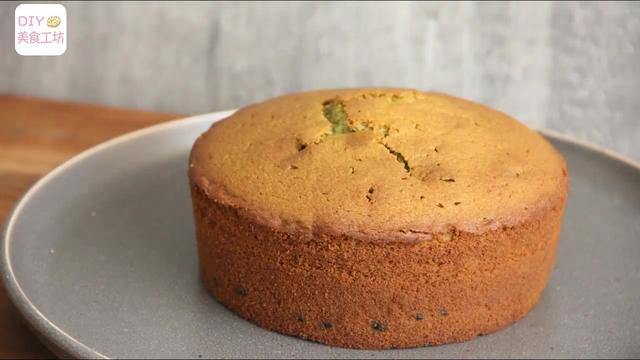 「蛋糕教程」做了5年蛋糕,这个配方最简单,抹茶磅蛋糕送给你
