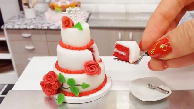趣味迷你食玩,在真正的迷你厨房里做美味的蛋糕,太有意思了!