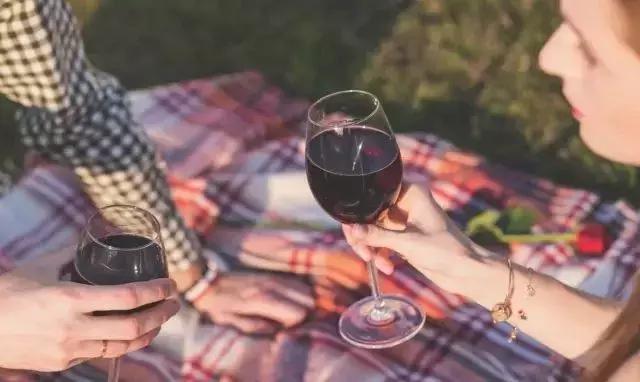 懂了这些红酒知识,再也不怕顾客咨询问题了