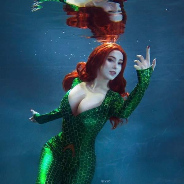 明星水上接吻水下抓胸