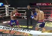武林风:张岚沛连续的左右摆拳击打泰国陈猜,完全被打蒙!