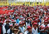 韩国2万名建筑工人罢工 要求提高薪资