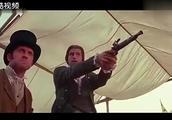 背后放冷枪!黄飞鸿在对抗坏人没注意,没想到教父挡下致命一枪!