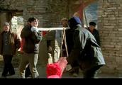 北京媳妇坏了村里的规矩,农村婆婆气坏了,扎心啊