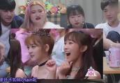 韩国人看创造101,这段《忐忑》太赞了,群舞整齐程度令人咋舌!