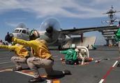"""美国海军""""亚伯拉罕·林肯""""号航母(CVN-72)战机起降操作"""