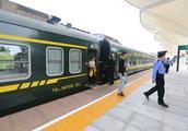 三亚 南山 旅游火车