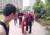 陈翔六点半:蘑菇装飞侠英雄救美,相信有正义感的人不止我一个