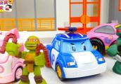 忍者神龟要保护小汽车和灭霸进行打斗