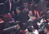 刘烨,一个参加微博之夜自己带瓜子的男人!都不分给旁边的林志玲