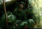 大型军队演习,新兵两颗热蛋蛋暴露了整支军队,拉去毙了