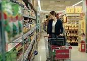 潘粤明献唱电影《大人物》主题曲,《孤独的蚂蚁》MV