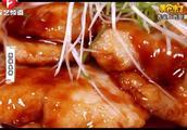 无刺巴沙鱼超级适合小朋友吃,大家一起来学习大厨的做法吧