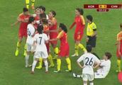 中国vs韩国:女足打架都这么好看!7号小姐姐你咋也这么暴力呢?