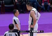 辽宁VS四川:韩德君:我真的没有打手犯规!裁判:你打了我说的!