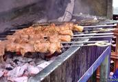 伦敦街头美食,来自黎巴嫩的烤鸡肉串、羊肉串等美食
