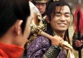 隋唐演义:李元霸与宇文成都比武,一招下去直接高下立判