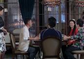媳妇在饭桌上揭丈夫兄弟老底,还逼着让人家还钱,真不明事理!
