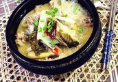 东北酸菜炖排骨炖多久,最正宗的东北酸菜炖排骨做法