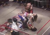 日本小姐姐惨遭暴打,刚站起来又被打倒,网友:估计残废了!