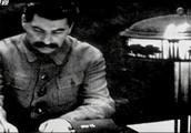斯大林有一个特点,不准部下迟到一分钟,但有一次却有了例外!