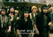 外国人看到中国功夫,丝毫不肯示弱,竟然在那比起了武!
