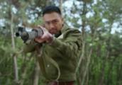 小伙拿着的步枪从不用拉枪栓,难道是国军研究出来新式武器?
