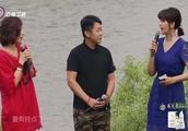 女子唱歌声音低沉,方琼让李玉刚跟她合作,最有特点了