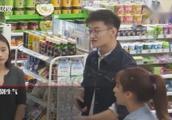 温柔男老师不满刁蛮女顾客:服务员也是人,不能人身攻击和谩骂!