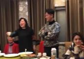 林峯陪女友张馨月回老家过年 疑似好事将近