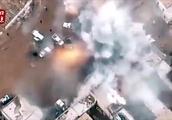 """实拍叙利亚汽车炸弹袭击 爆炸瞬间涌起巨型""""蘑菇云"""""""