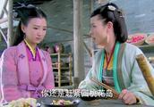 黄蓉将令牌给了郭芙,让她回桃花岛避难,不料郭芙压根不想回去