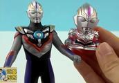 欧布奥特曼得到一个萌萌哒的手指人偶玩具