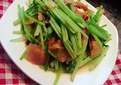 川菜芹菜炒肉的做法有哪些