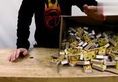 科学趣实验:可乐瓶内放1200个火柴头会怎样?接下来千万别眨眼!