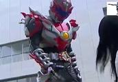 铠甲勇士:炎龙铠甲英雄救美,却被帝皇铠甲直接打回了原形