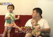 超人回来了:威廉是语言天才?看中文节目?刚睡醒的本本好可爱