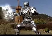 铠甲勇士:初代铠甲动作慢的原因,会不会是铠甲太重了?