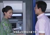 大款二姐刘涛被高明骗子骗了63万还帮骗子数钱,这下彻底惊醒了!