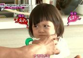 超人回来了:韩国爸爸根本抵挡不住,宝宝女儿的撒娇攻势,投降了