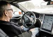 看完特斯拉的自动驾驶,不得不服以后这功能谁都能开车