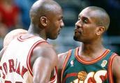 老梁:NBA球星互喷垃圾话,都说了些啥?高清