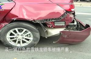 百万兰博基尼跑车撞入对向车道连撞三辆车,事故一度造成交通拥堵