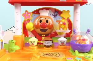 面包超人厨房场景玩具秀 迪士尼玩具总动员奇趣蛋