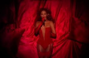 霸气!真是实力与偶像的超级结合!碧昂丝Beyonce-Sweet Dreams现场