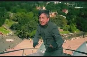 成龙打出新花样,首登悉尼歌剧院屋顶打斗!看着都惊心!